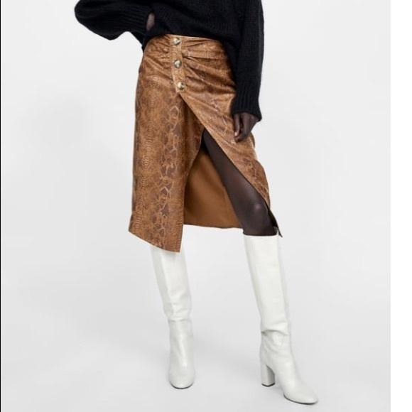 160e4402b984af Zara Skirts | Basic Faux Suede Snakeskin Print Skirt | Poshmark